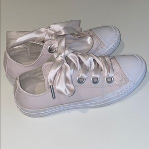 Converse All Star pink patent leather size 5